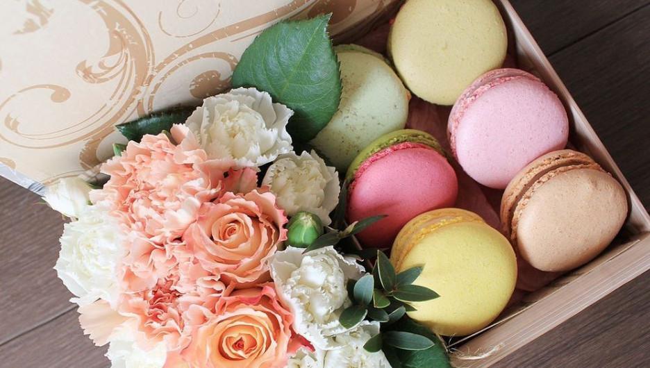 Сладкие коробки с цветами.