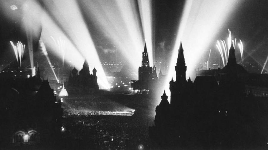 День Победы на Красной Площади, 9 мая 1945 года.