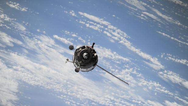 Маневры русских космических спутников напугали военных США