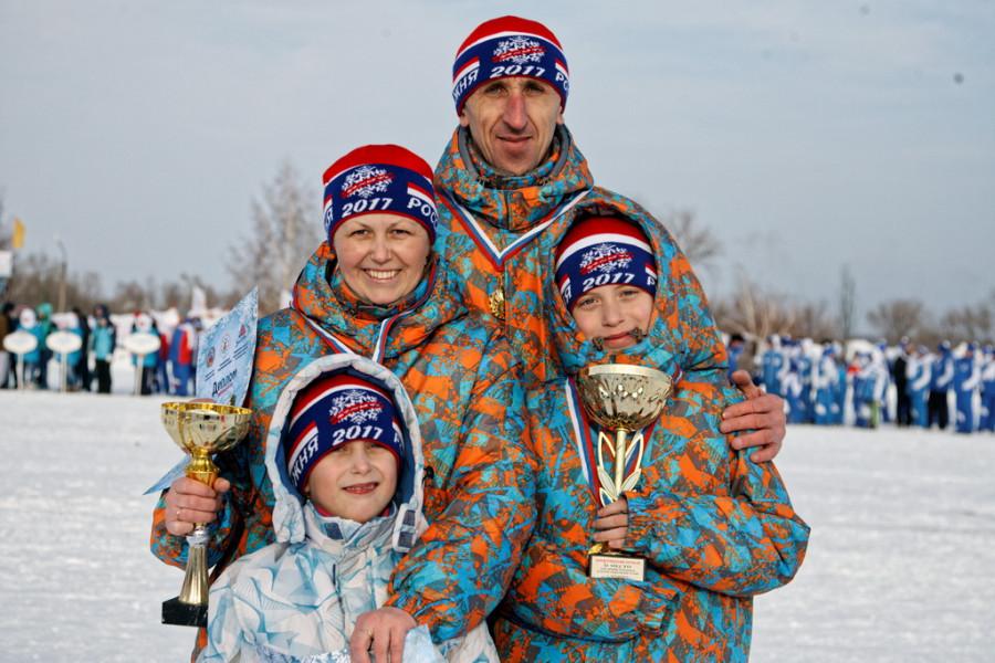 Спортивная семья Комиссар из Родинского района
