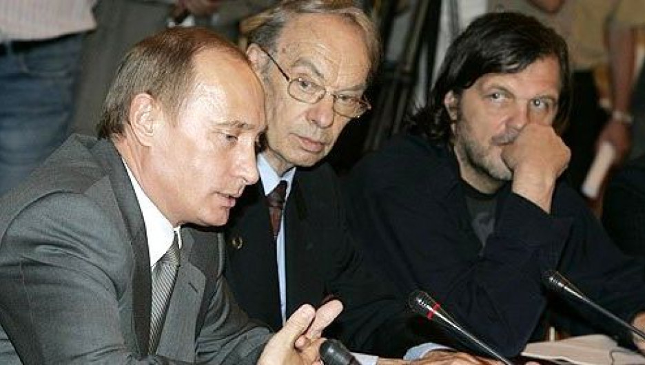 Алексей Баталов (в центре).