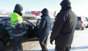 В Барнауле судебные приставы арестовали 5 машин должников во время рейда 27 февраля.