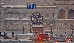 Здание строящегося Художественного музея на площади Октября.