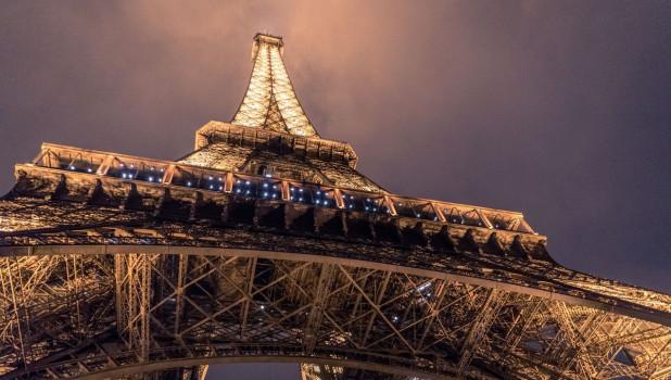 Франция. Эйфелева башня.