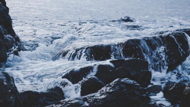 Вода. Волны.