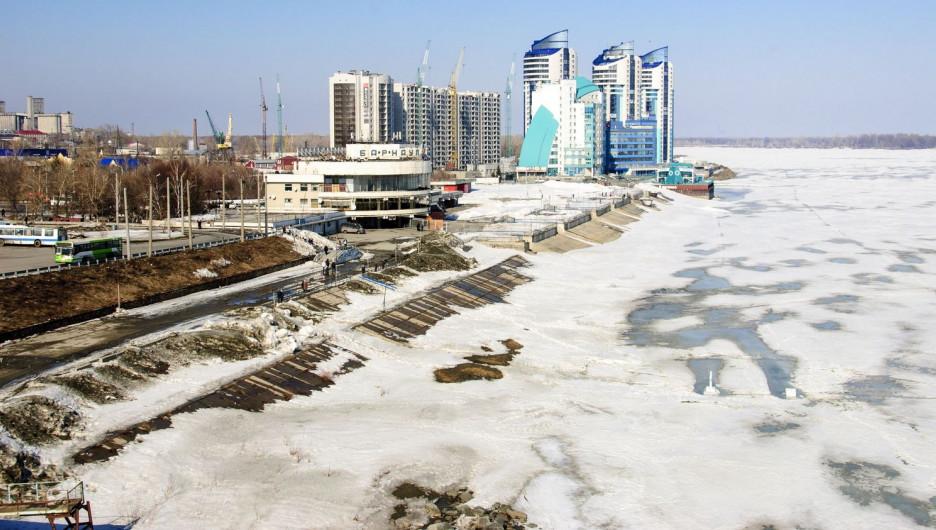 Обь накануне паводка. Барнаул, 26 марта 2017 года.