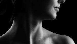 Женщина, шея, нос.