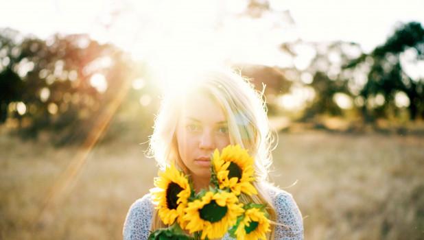 Подсолнухи. Девушка. Солнце. Лето.