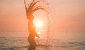 Девушка. Лето. Пляжный сезон.