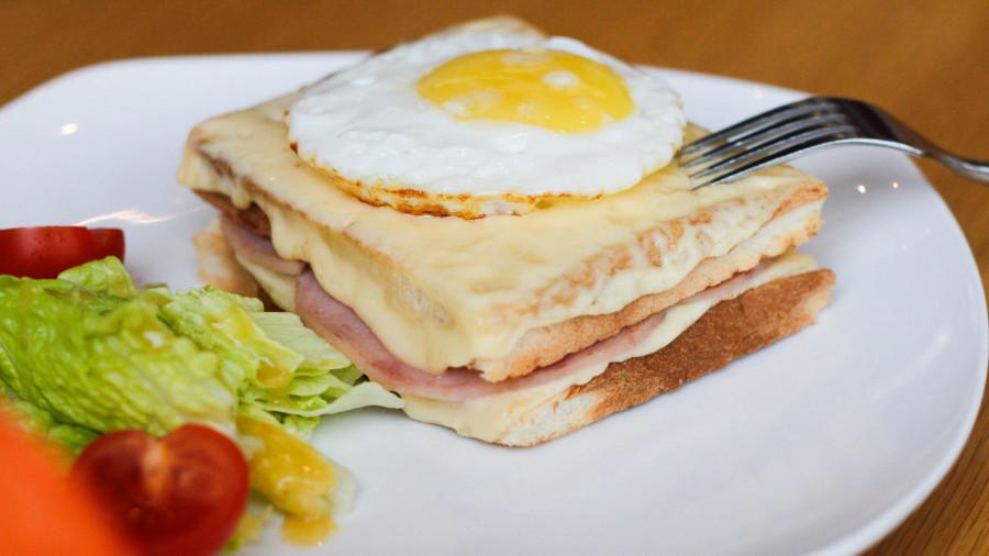 Что готовят в барнаульских кофейнях и ресторанах на Пасху.