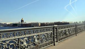 Санкт-Петербург, набережная, вид на Исаакиевский собор.