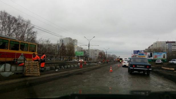 Ремонт дороги на ул. Попова в Барнауле.