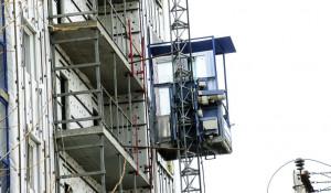 Наружный грузо-пассажирский лифт. Строительство.