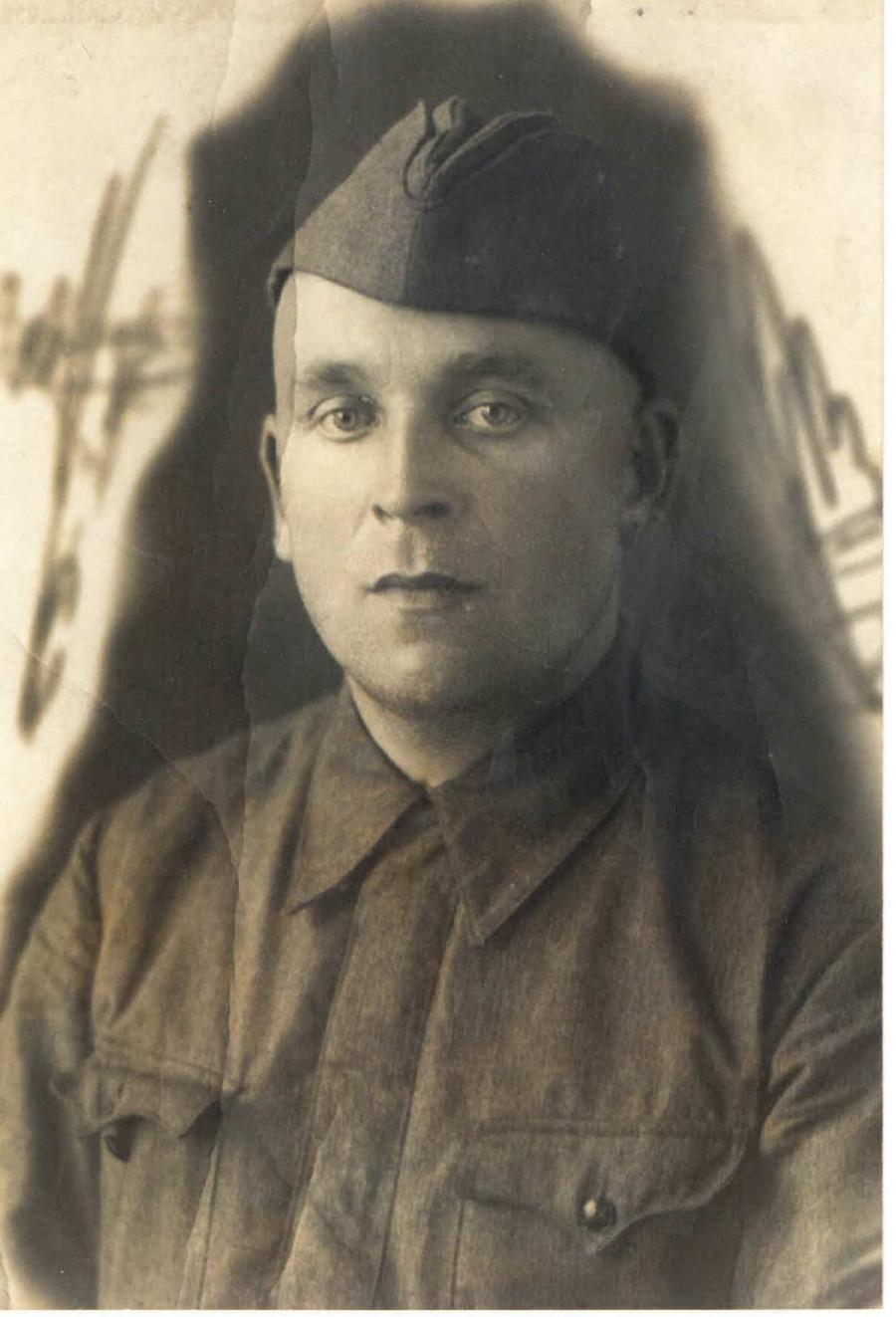 Чапайкин Иван Алексеевич - сержант 2-й дивизии народного ополчения Ленинграда.