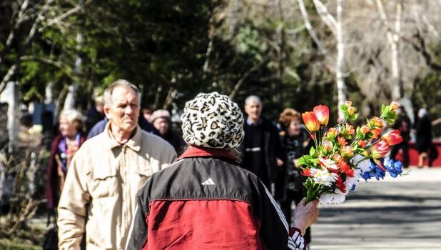 Родительский день в Барнауле. Власихинское кладбище