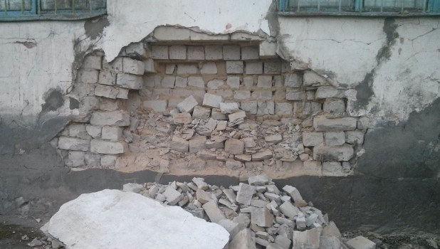 Обрушение стены на ул. Кутузова, 12.