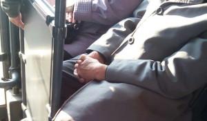 Пенсионер в автобусе.