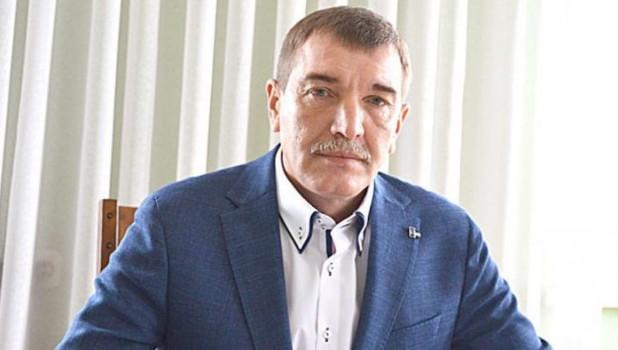 """Суд рассмотрит дело о """"липовом"""" дипломе алтайского экс-чиновника"""