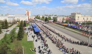 """Шествие """"Бессмерного полка"""" в Барнауле. 9 мая 2017 года."""