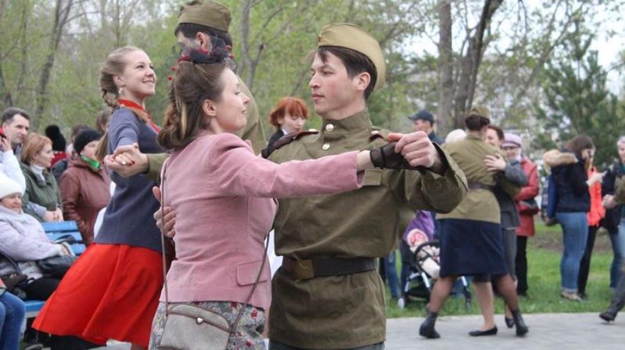 """Вечер """"В шесть часов вечера после войны"""" в Барнауле."""
