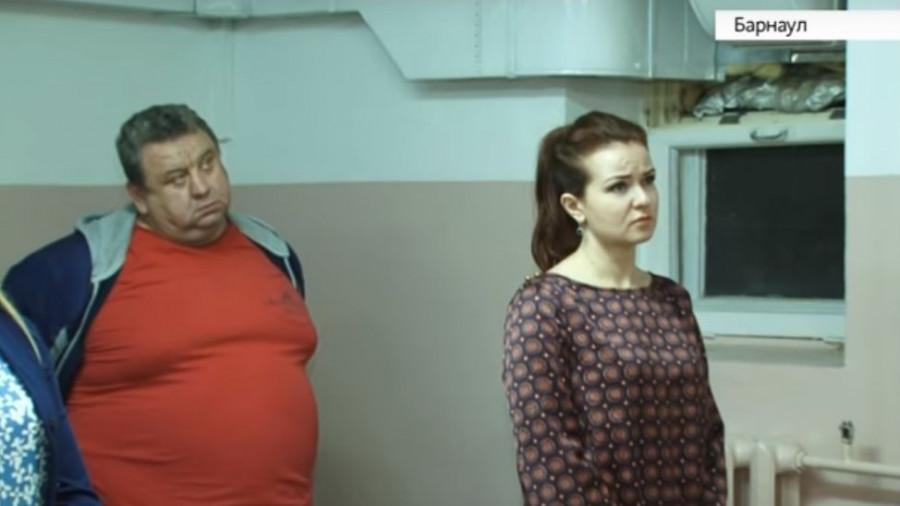Оксана Ткаченко и ее бывший супруг в зале суда.