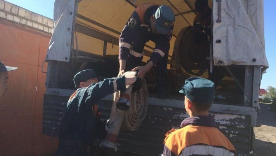 Спасатели в подтопленном Рубцовске.