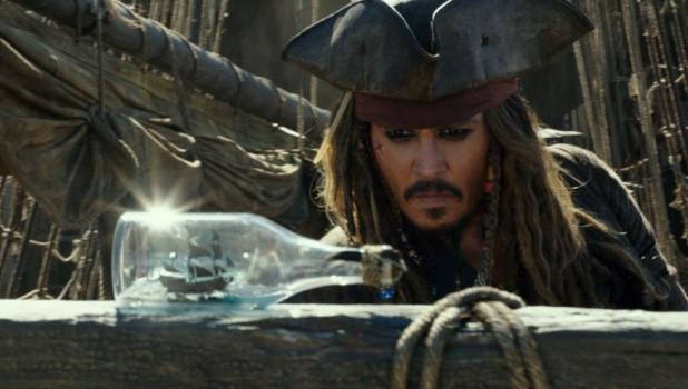 """Кадр из фильма """"Пираты Карибского моря 5""""."""