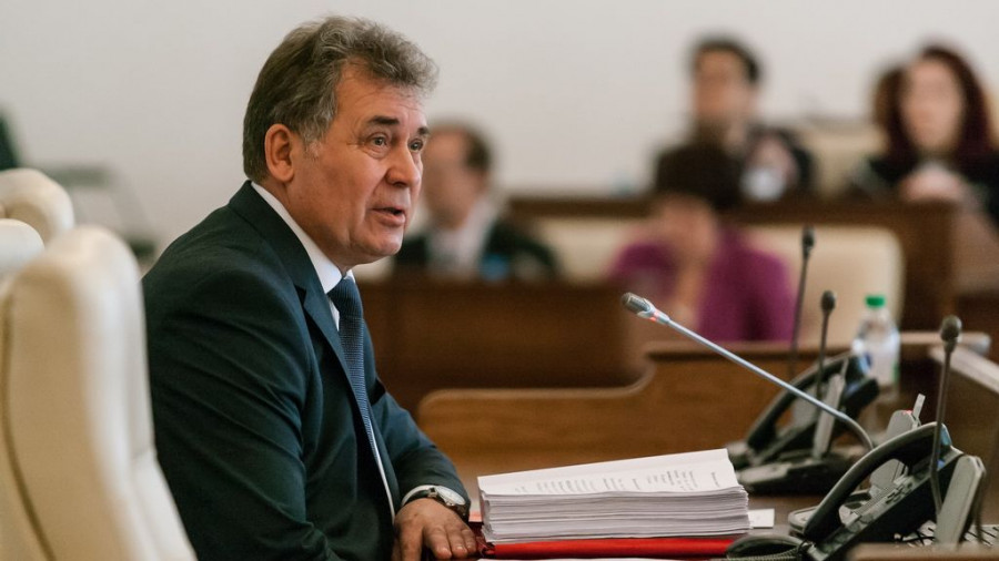Алтайские депутаты «зарубились» при обсуждении закона о бесплатных участках для многодетных семей