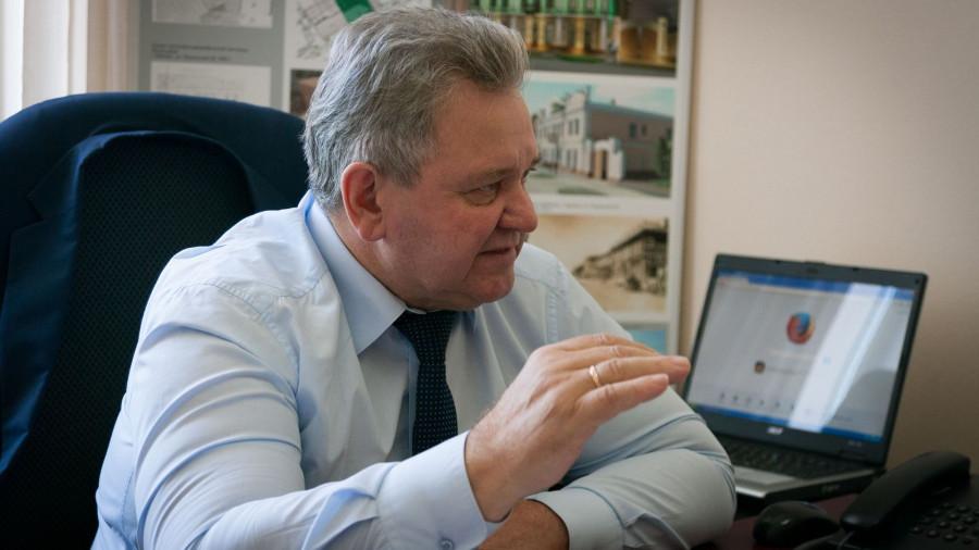 Александро Урбах.