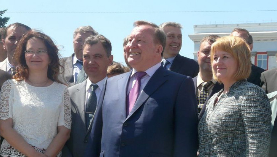 Губернатор Александр Карлин поздравил с Днем защиты детей