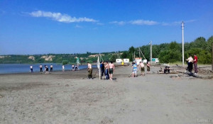 Подготовка пляжа на о. Помазкин к открытию.