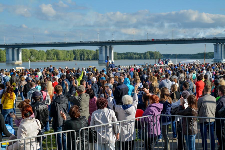 День России в Барнауле. Речной вокзал, 12 июня 2017 года.