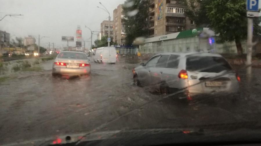 Потоп на проспекте Ленина.