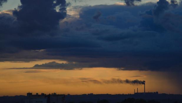 Барнаул перед ливнем, тучи.