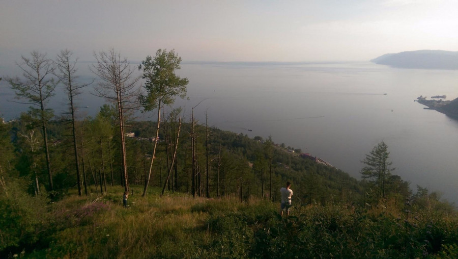 Вид на Байкал с камня Черского.