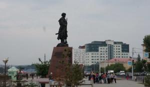 Памятник основателям Иркутска.
