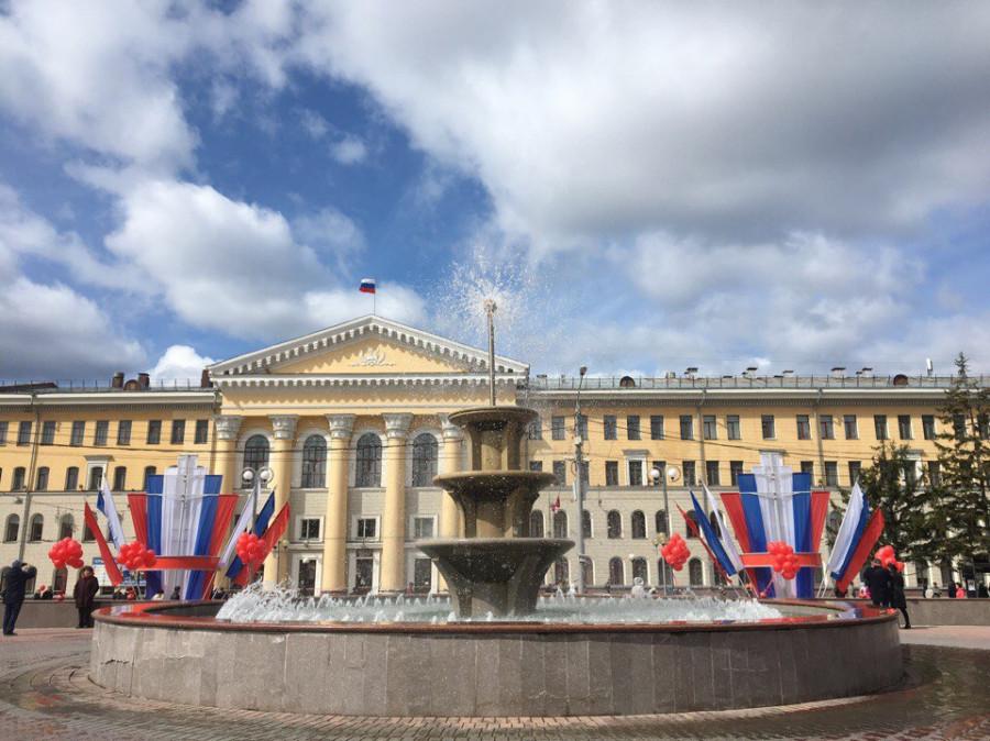 Новособорная площадь в Томске.