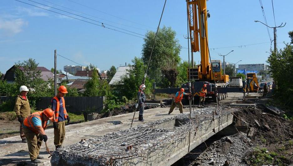 Реконструкция моста на улице Матросова
