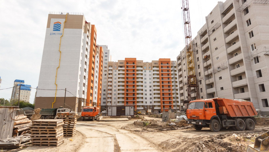 """Новый квартал за ТРЦ """"Огни"""" достраивают."""