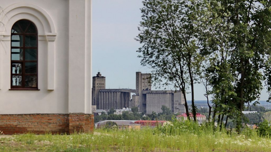 Барнаул. Вид на элеватор.