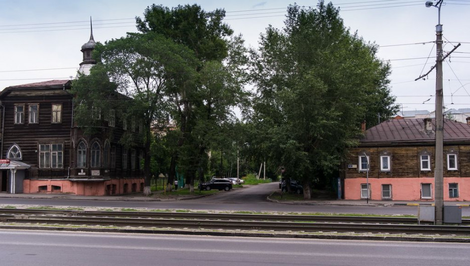 ул. Короленко. На ней срубят 152 дерева, посадят 80.