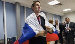 Сергей Шубенков прилетел из Лондона в Барнаул.