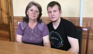 Светлана Агеева смогла увидеться с сыном в СИЗО города Старобельска, где он сейчас содержится.