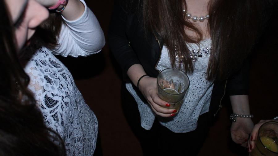 Подростки, алкоголь.