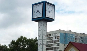 Часы на Малахова-Исакова.
