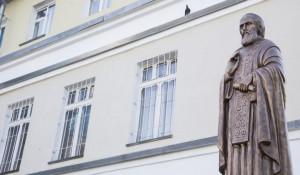 Установка памятника Сергию Радонежскому.