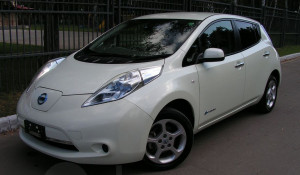 Электромобиль Nissan Leaf в Барнауле.