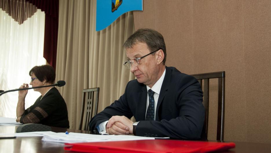 Год с новым мэром: как вы оцениваете работу главы Барнаула. Опрос