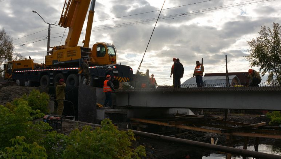Ремонт моста через Пивоварку.