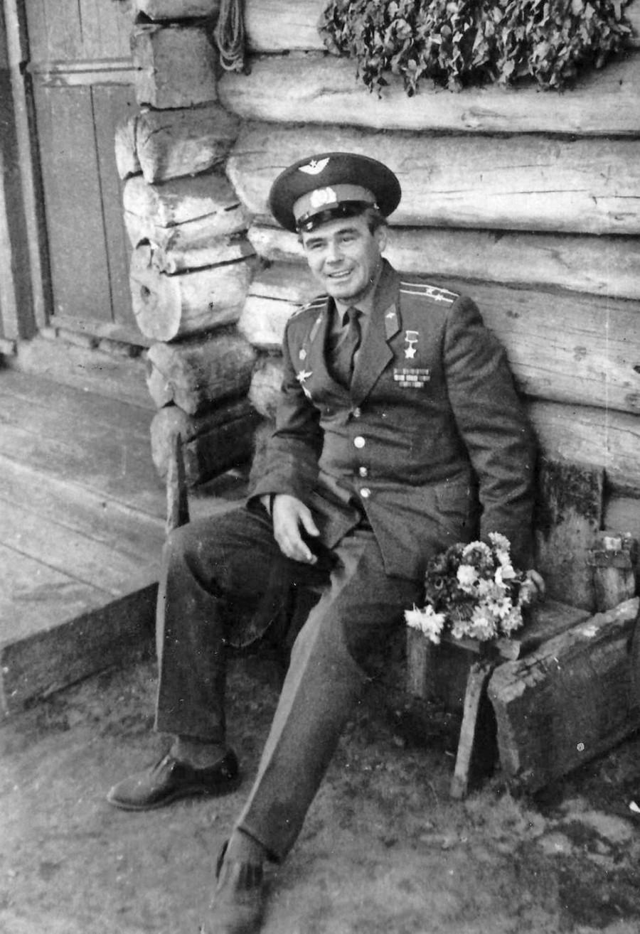 Василий Лазарев на Алтае в родной деревне.